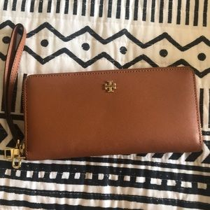 NWOT Tory Burch wallet